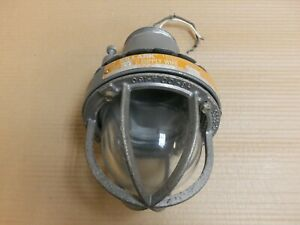 Killark Hx-2-150 explosion proof light for hazardous locations