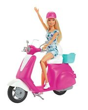 Barbie Scooter E Helm Rosa Puppe Original MATTEL GBK85