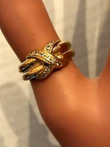 VERY NICE Substantial 18ct gold  DIAMOND CROSSOVER RING, High QUALITY Piece