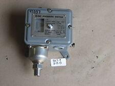 NEW SMC PRESSURE SWITCH IS2761-1103L9