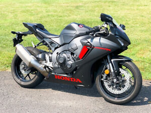 2017 Honda CBR1000RR CBR 1000 ABS 25th Anniversary w/ Only 6,836 Miles 1 Owner