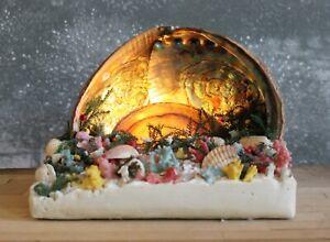 Kitschy vintage abalone seashell TV lamp / night light