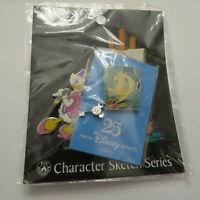 Disney Japan 2 Pin Set Daisy Painting Donald Key Pin