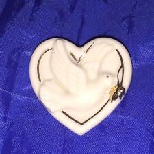 Lenox Peaceful Heart Pin Brooch Classic Cream with Gold Trim 19928