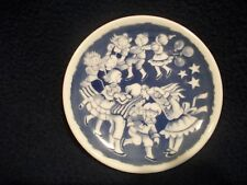 Royal Copenhagen Children'S Christmas Collection Plate, 2000 Denmark