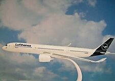 Herpa Wings 1:200 Snap-Fit  Airbus A350-900   Lufthansa D-AIXM  Schwerin  612258