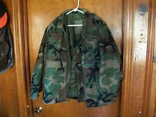 """Navy Mens Size Medium Cold Weather Coat Seabees, Amphib Construc. Patch, """"Lowthe"""