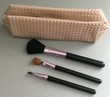 AVON SMALL MAKEUP/BRUSH HOLDER WITH 3 BRUSHES. NEW