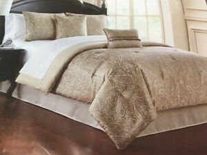 Waterford Linens Queen Comforter Set - Landon Gold