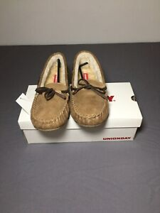 Brand New W/ Tags UNIONBAY Women's Yum Light Brown Moccasin Slippers Size 8.5M!