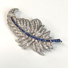 VINTAGE 18K WHITE GOLD DIAMOND AND SAPPHIRE FEATHER PIN