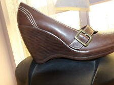 Bakers Women's Brown High Wedge round toe size 7