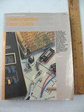 Understanding Fiber Optics by Jeff Hecht (1987, Softcover)