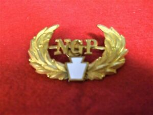 PENNASYLVANIA NATIONAL GUARD CAP BADGE WITH WREATH INSIGNIA NGP SPANAM EMBLEM