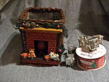 Lot decorations noel :panier + piques cadeaux argentés + 1 rouleau motifs Noel