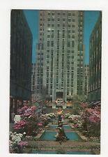 USA, New York City, Rockerfeller Center Channel Gardens 1962 Postcard, A807