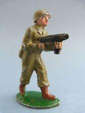 QUIRALU - Soldat américain avançant avec sa mitraillette - Q19
