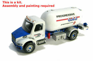 N Scale FL-M2 Liquid Propane Gas Truck kit by Showcase Miniatures (90)
