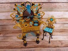 Monster High Cleo de Nile's Vanity Playset (2011) Vanity, Chair, and Accessories