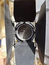 Projecteur spot cinéma photographie Fresnel 1kW Polaris Quartz Color trepied