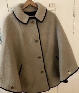 VINTAGE Tan Wool Nurses' Cape Cloak with Navy Plaid Lining