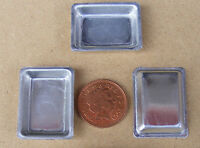 1:12 Scale 3 Small Deep Metal Dishes Dolls House Baking Tray Kitchen Accessory