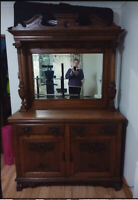 Victorian Antique  Solid Oak Dresser Sideboard Great Condition With Original Key