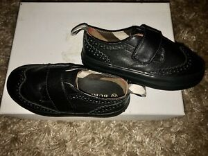 NIB BURBERRY Boys Mostyn Leather Grip-strap Oxford Shoe (Black) - SZ: 26/9.5 US