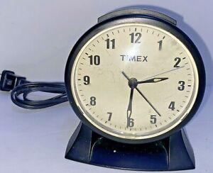 TIMEX Advance Alarm Clock Bed-Side or Desk-top Model 3603T Black W/Snooze FAST S
