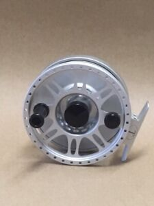 TIBOR EVERGLADES FLY REEL • FROST SILVER • BRAND NEW • MUST SELL!
