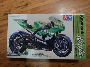 Tamiya 14109 Kawasaki Ninja ZX-RR 112 Scale Bike Kit