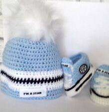 BABY CROCHET BOOTIES TRAINERS,SHOES,SNEAKERS AND HAT WITH WHITE FUR POMPOM