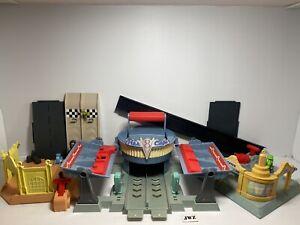 Disney Pixar Cars - Flo's V8 Cafe, Ramone's Body Shop, Luigi's Tire Shop -Bundle