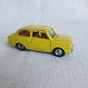 Dinky Toys Meccano petite voiture Fiat 850 509 jouet ancien métal 1/43
