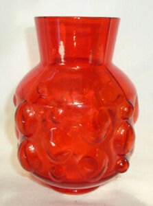 RETRO ORANGE GLASS VASE - PRETTY HOBNAIL BUBBLE PATTERN 15cm high -vg condition.