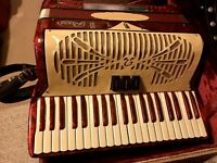 "RIVOLI ""SPECIAL"" BY SONOLA PIANO ACCORDION W/ A BEAUTIFUL CASE!!"