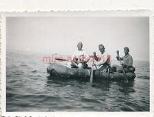 2 x Foto, Baden und Schlauchboot,  Les Sables-d'Olonne, Frankreich (N)1719