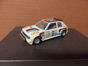 Peugeot 205 Turbo 1/25 N°2 Vatanen Harryman marque Burago