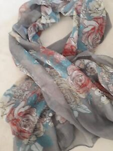 BNWT Accessories Long Soft Cream or Grey Floral Design Scarf L 170 cm x W 60 cm