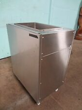 """ CORNELIUS "" FREE STANDING H.D. COMMERCIAL S.S. 8 LINES COLD PLATE ICE BIN"