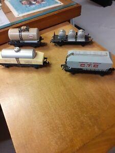 Lot de 4 wagons marchandises hornby acho