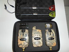 2 x Wireless bite alarms & 2 illuminated hangers, case, batts. Carp, Camo, Fish