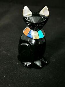 Figurine chat en pierre noire (obsidienne) et décoré de pierres semi précieuses
