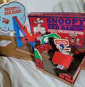 1970 SNOOPY and the RED BARON GAME #4067 Vintage MILTON BRADLEY Very Good Plus !
