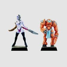 FENRYLL mutante hembra y su criado X 2 figuras