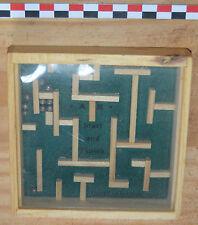 Petit jeu de labyrinthe en bois, très bon état
