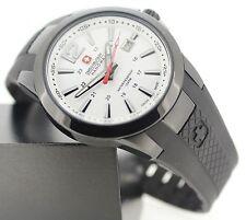 Polierte Armbanduhren aus Kunststoff und Edelstahl