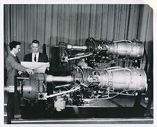 AVIATION c.1959 - Ingénieurs  Moteur d'Avion T-64  Turboprop Turbine - AV 81