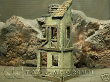 """""""RETIRED"""" Build-a-Rama 1:32 Hand Painted 2 Story Farmhouse Ruin"""