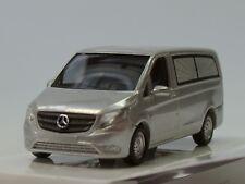 Busch Mercedes Vito, Leichenwagen, silber - 51130 - 1:87
